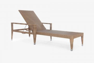 Napoli Sun Lounger in Antique Honey with Arms